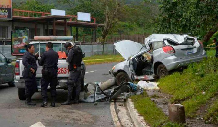 Invasión de carril y distracción del conductor son las causas primeras de accidentes en el país