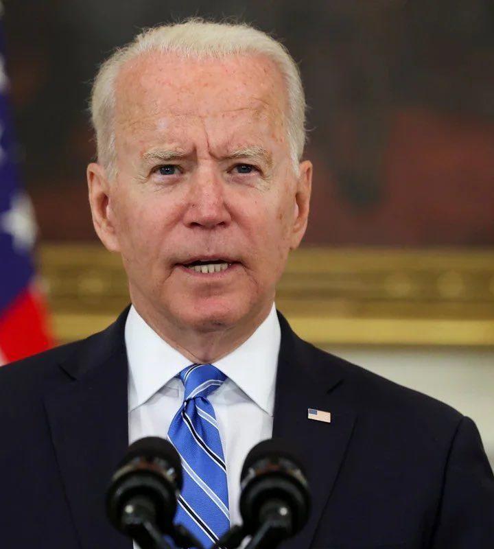 Biden asegura que son 12 personas las que proporcionan desinformación en USA