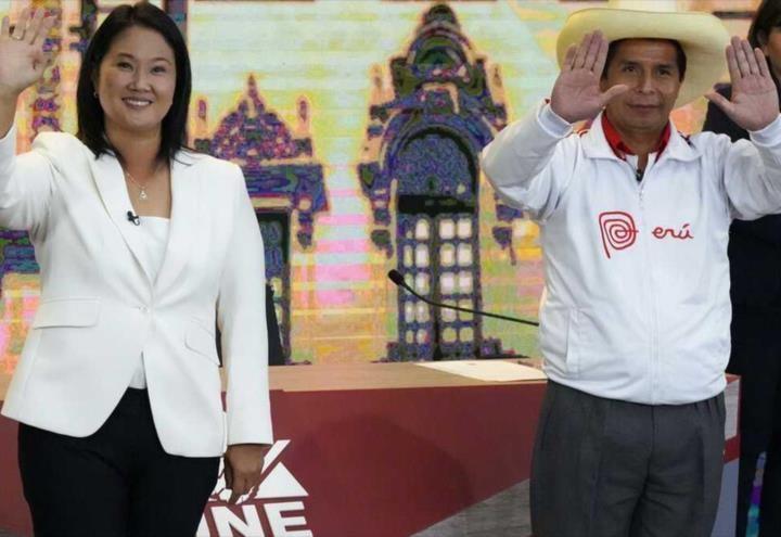 Fujimori acepta gane de Castillo en Perú