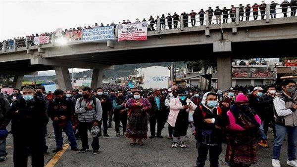 Guatemala hace paro general en contra del presidente