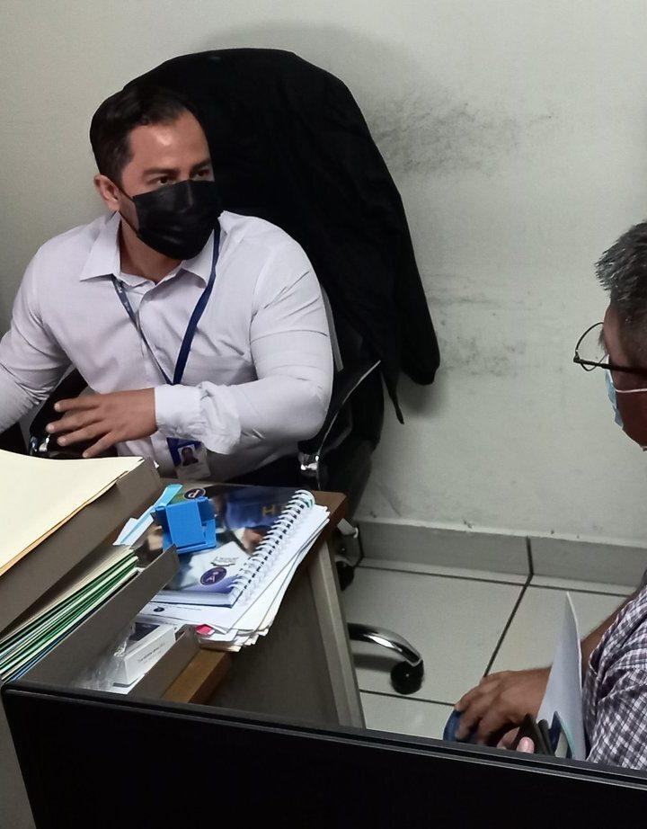 Periodista agredido por agente de la PNC presenta denuncia ante PDDH