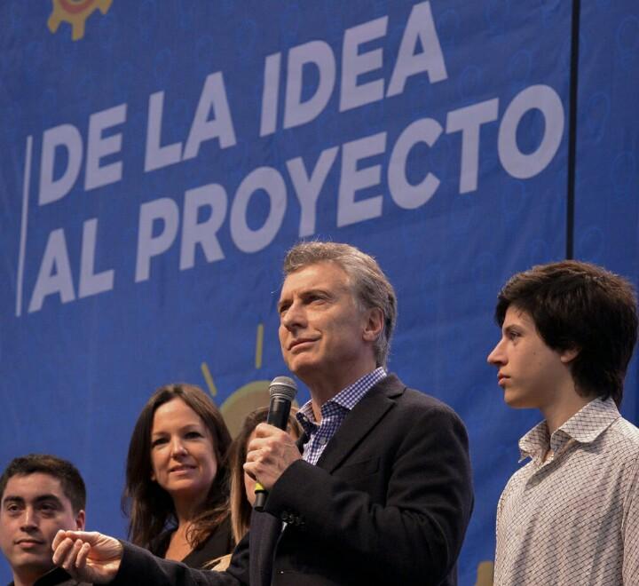 Argentina lanza programa de empleo para jóvenes
