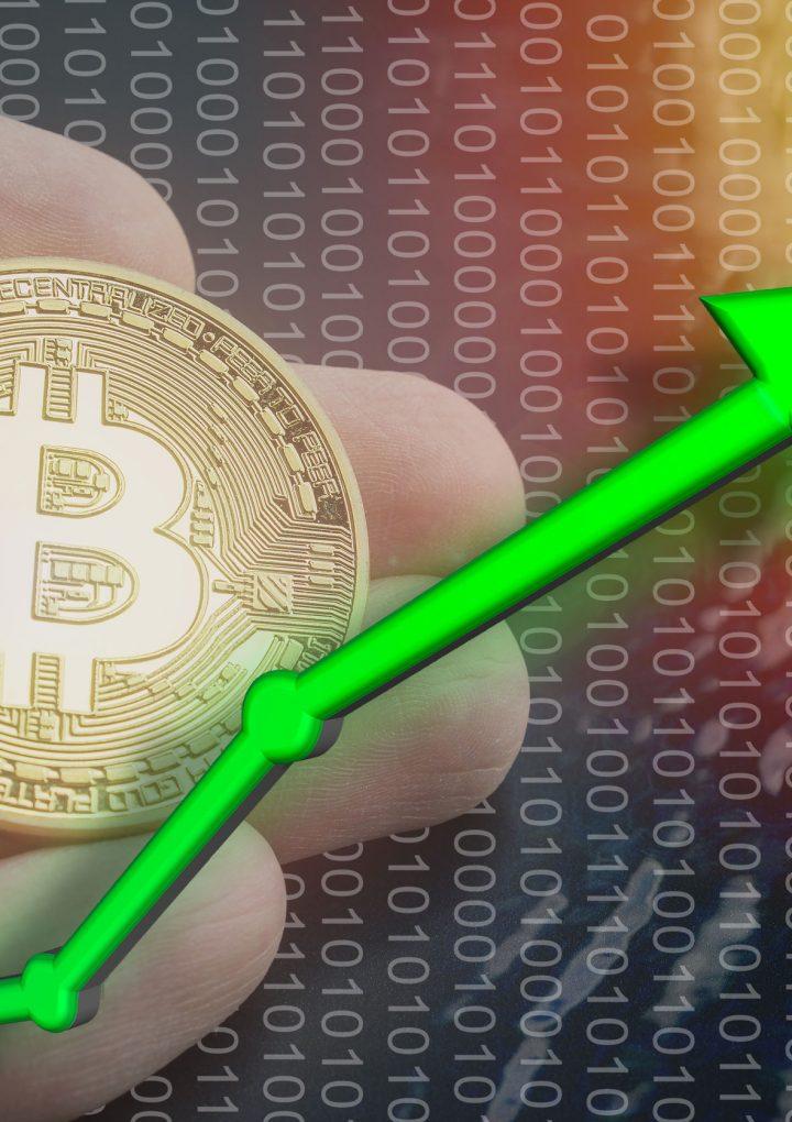 El Bitcoin sube $12,999.94 luego de un punto bajo en julio