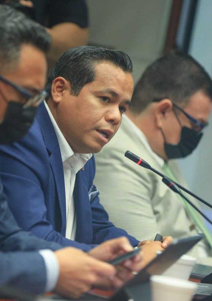 Ministro de Hacienda quiere auditar gestiones de alcaldías anteriores