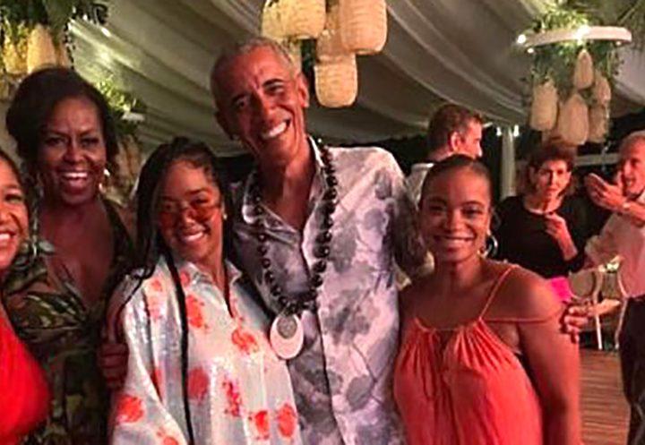 Obama celebró una fiesta masiva y sin mascarillas para su cumpleaños pese al COVID-19