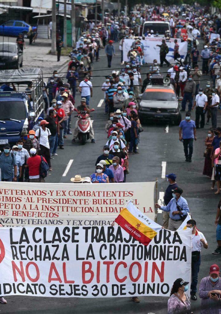 Intensifican llamado a las marchas el próximo 15 de septiembre