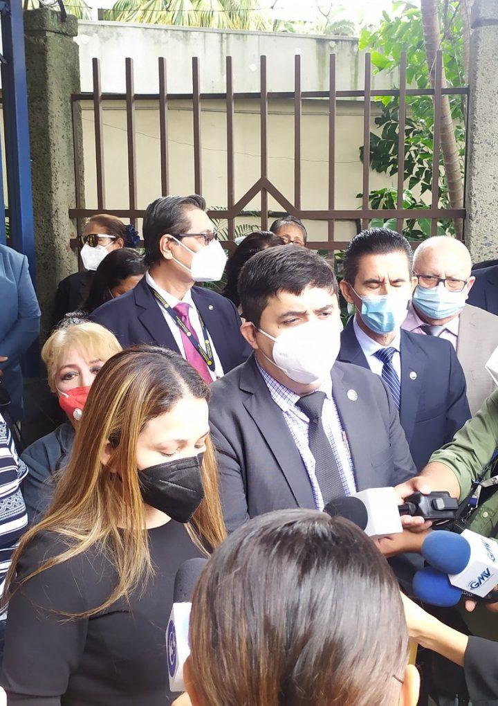 PNC bloqueó entrada de jueces a la Corte
