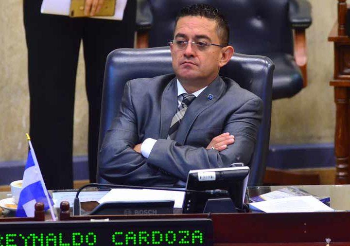 Diputado Cardoza aseguró que Bukele tiene pruebas de financiamiento de marcha
