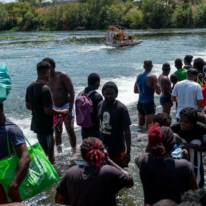 Haitianos buscarían quedarse en México si no logran ingresar a USA