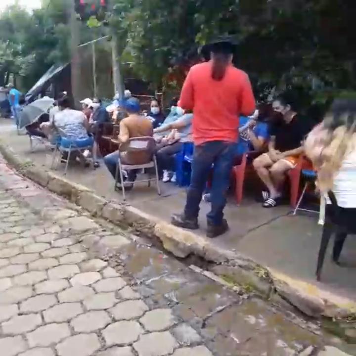 Aglomeraciones en proceso de vacunación nicaragüense