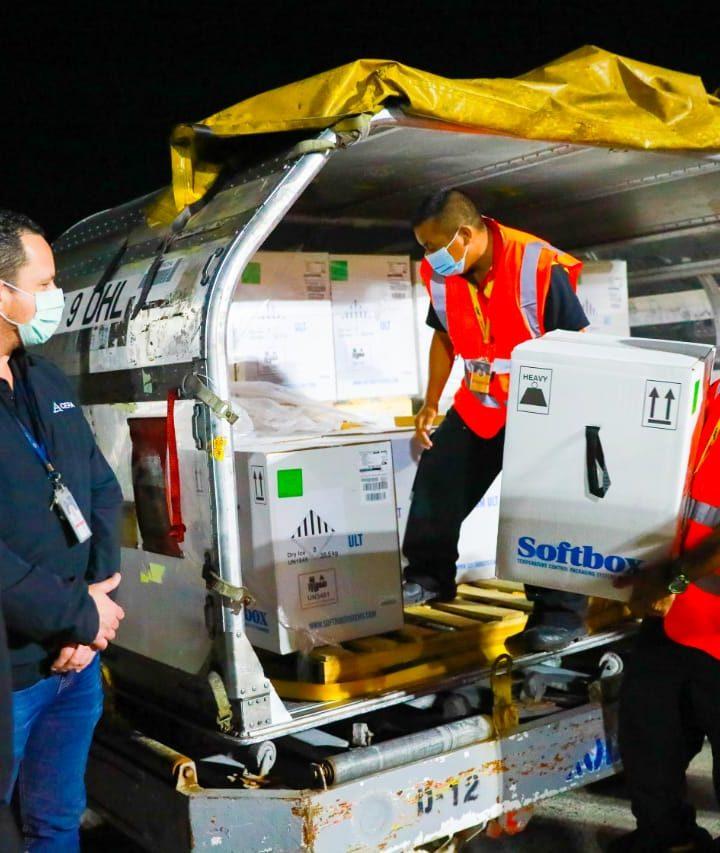 Arribó nuevo lote Pfizer a El Salvador