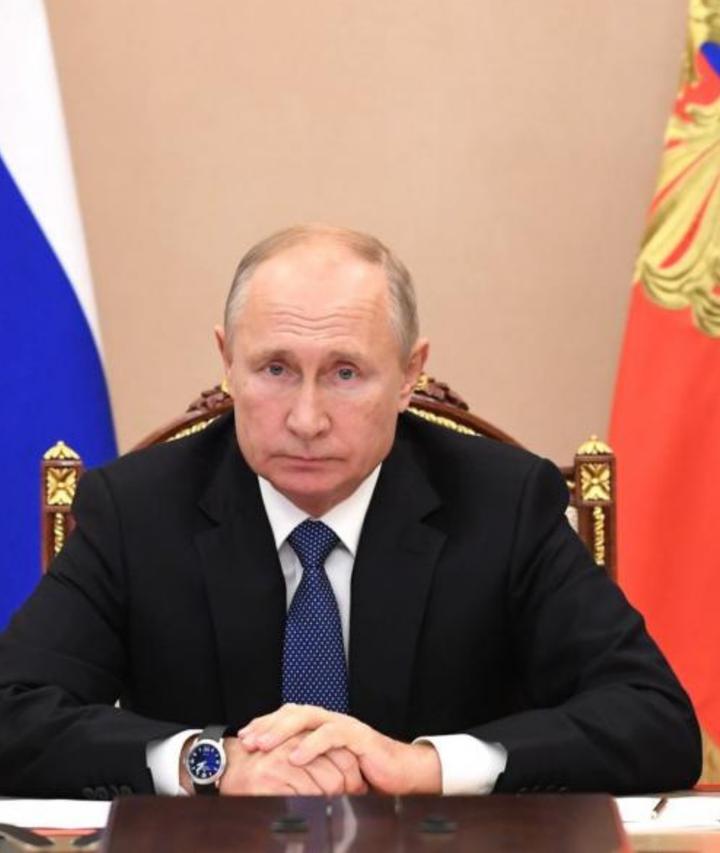 Presidente de Rusia da descanso a trabajadores por alza de Covid